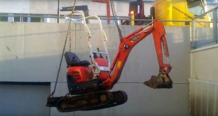 Grutage Pelle à -7m (vidéo)